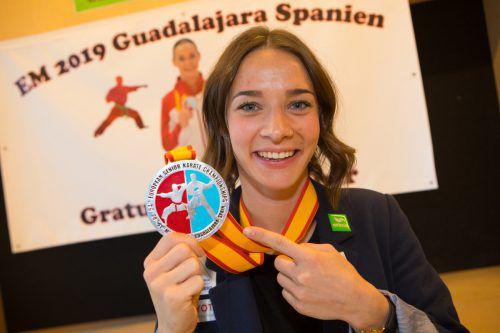 Bettina Plank mit ihrer sechsten EM-Medaille seit 2011.