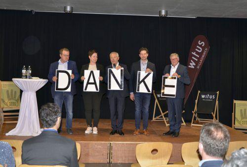 Bürgermeister der witus Gemeinden bedankten sich bei den Bregenzerwälder Unternehmern. mam