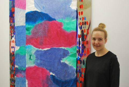 Daniela Fetz, Leiterin der Galerie Hollenstein, lädt zur Ausstellung ein. E. Rhomberg