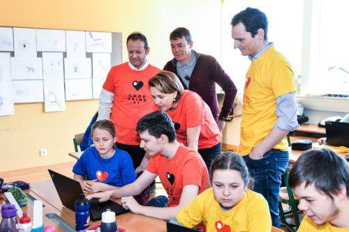 """Das Projekt """"Code4Kids"""" vermittelt Kindern im Volksschulalter die Denkprozesse des Programmierens. Stadt dornbirn"""