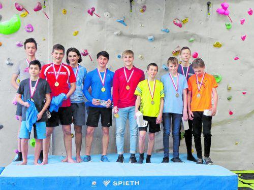 Das Siegerteam und die Platzierten im Bewerb der Oberstufe.