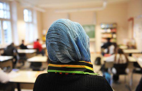 Mädchen bis 14 soll künftig das Tragen eines Kopftuches an den österreichischen Schulen verboten werden. apa