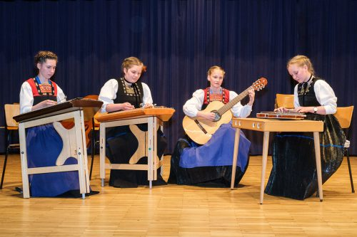 Das Volksmusikensemble musizierte in schmucker Bregenzerwälder Tracht.ME