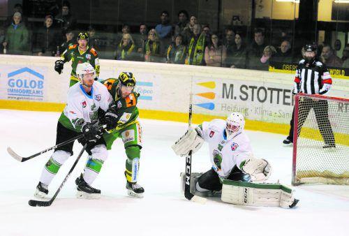 David Slivnik an vorderster Front, aber auch dem EHC-Verteidiger war gegen Laibach kein Treffer vergönnt. Hartinger