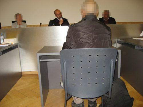 Der 56-jährige Angeklagte gab sich vor Richter Michael Fruhmann geständig, reumütig und gelobte auch Besserung. Eckert