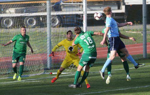 Der in Blau gekleidete SC Fußach und Titelträger Dornbirner SV lieferten sich ein packendes Cupduell, das erst im Elfmeterschießen entschieden wurde. Hartinger