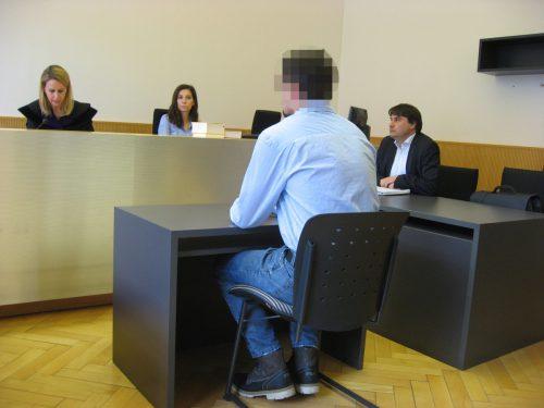 Der junge Mann bestreitet vor Gericht jede Schuld. Eckert