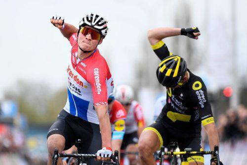 Der Niederländer Mathieu Van der Poel (l.)) gewinnt vor Anthony Turgis.afp