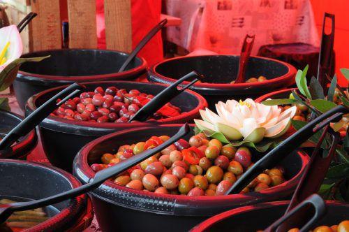 Der Provence-Markt lockt mit französischem Flair. Stadt