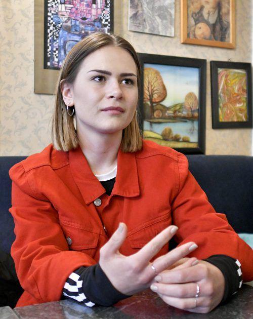 Die 20-jährige Mathea Höller aus Salzburg lebt für die Musik. APA