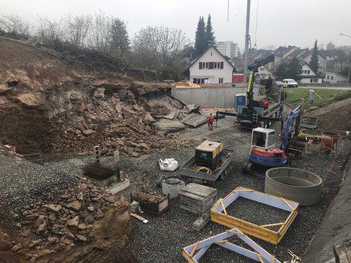 Die Baustelle am Funkenbühel, nach der Panne bei der Nachsprengung. Polizei
