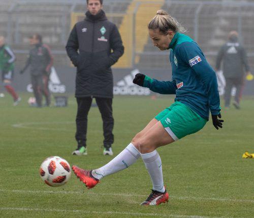Die Bremer Frauen mit Sabrina Horvat holten sich in Essen ein 2:2-Remis.HFL