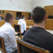 Drei Männer wegen Raubes verurteilt. B1