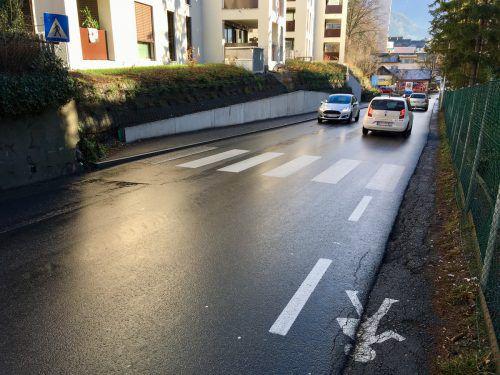 Die heikle Situation für Fußgänger in der Fohrenburgstraße wird entschärft. VN/JS