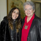 """<p class=""""caption"""">Die Künstlerinnen Jaio Licinia Dos Anjos und Ilse Konrad stellen aus.</p>"""