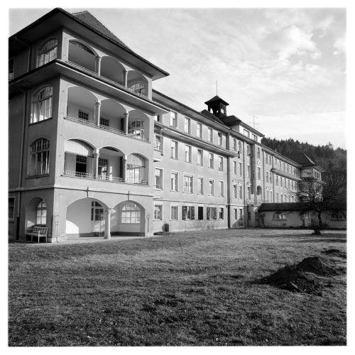 Die Lungenheilstätte 55 Jahre nach der Eröffnung (1975).