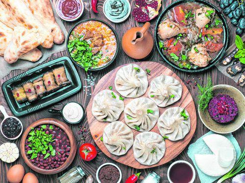 Die Teigtaschen Khinkali sind fast überall erhältlich und oft auch vegetarisch gefüllt.
