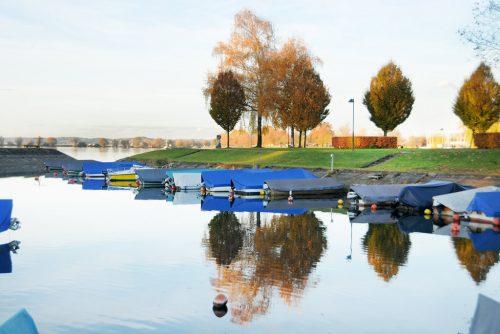 Die Teilnehmer der Bürgerdiskussion wollen die Harder Bootshäfen wie den am Dorfbach erhalten. AJK