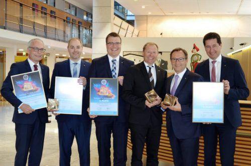 Die Vorstandsdirektoren Anton Steinberger, Daniel Mierer, Hannes Moosmann, Hermann Bachmann, Werner Böhler und Harald Giesinger. sparkasse