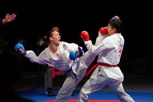 Die WM-Dritte Bettina Plank (links) ließ im Duell um Platz drei ihrer Gegnerin aus Taiwan keine Chance.Martin Kremser/Karate Austria