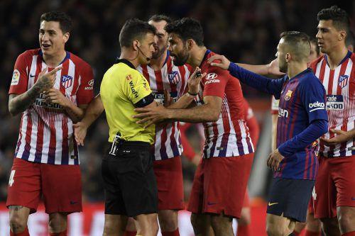 Diego Costa war bei der Niederlage gegen Barcelona außer Rand und Band. afp