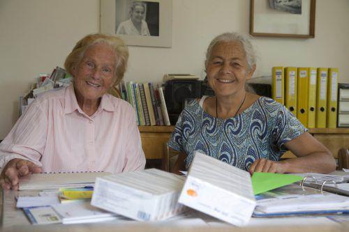 Dr. Elisabeth Neier stellt zum 30-jährigen Jubiläum ihr Lebenswerk vor. Viel Unterstützung erhält sie dabei auch von ihrer inzwischen 90-jährigen Mutter.vn/paulitsch