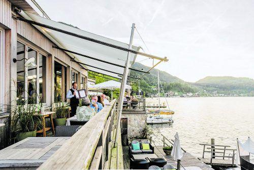 Ein Abendessen im Bootshaus ist ein ganz besonderes Erlebnis. www.traunseehotels.at