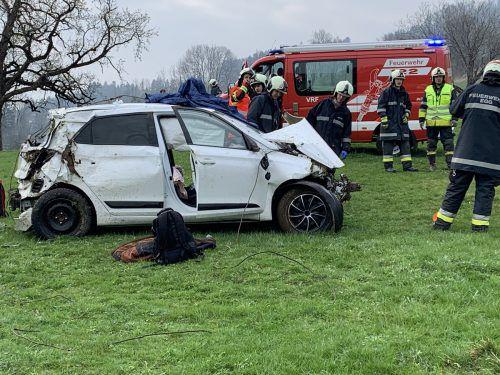 Ein großes Aufgebot an Feuerwehrleuten und Rettungskräften war in Alberschwende vor Ort. VOL.AT/Pletsch
