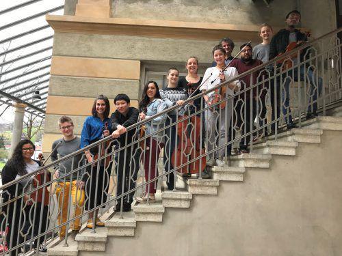 Ein Konzert mit Gedankenskizzen und Textimpulsen von geflüchteten und hier geborenen Menschen unterstützt von Student(inn)en des Vorarlberger Landeskonservatoriums.veranstalter/Pforte