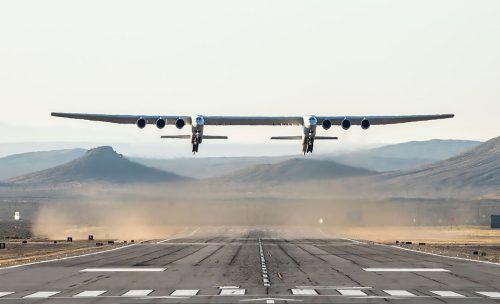 Eines Tages sollen von dem Flugzeug aus Trägerraketen starten und Satelliten in die Erdumlaufbahn befördern. AP