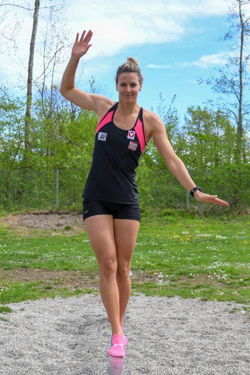Elisabeth Kappaurer ist eine Frohnatur und versucht, nach ihrer xten Verletzung die notwendige Balance für eine Rückehr in den Skirennsport zu finden. VN/Lerch