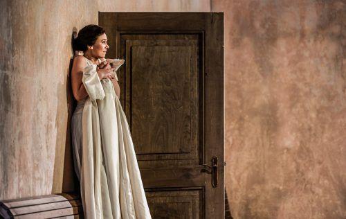 """Elsa Dreisig in der Titelrolle der Oper """"Manon"""" in Zürich. opernhaus/Suter"""