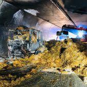 Heutransporter brannte im Pfändertunnel
