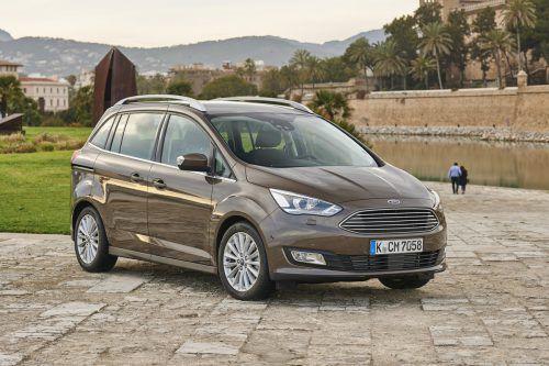 Ford stellt die Produktion der Kompakt-Vans C-Max und Grand C-Max Ende Juni ein. Die Familienmobile basieren auf der kürzlich abgelösten Generation des Ford Focus und stehen nach knapp neun Jahren Bauzeit am Ende ihres Lebenszyklus. Nachfolger sind nicht geplant. Gründe für den Produktionsstopp sind geringe Nachfrage und ein Sparprogramm des Herstellers.