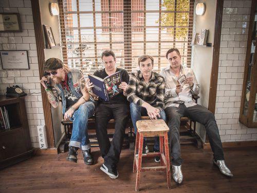 """Für alle Freunde des Indie-Rock: Art Brut präsentiert das neue Album """"Wham! Bang! Pow! Let's Rock Out!"""" im Spielboden.ART Brut"""