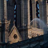 """<p class=""""caption"""">Für den Wiederaufbau von Notre-Dame sind bereits knapp 900 Millionen Euro gespendet worden. AFP</p>"""