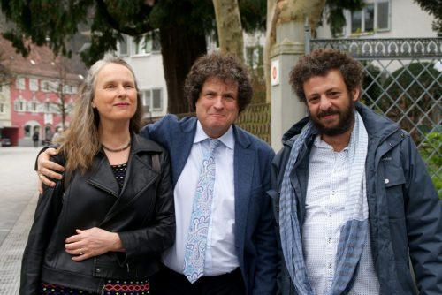 Hanno Loewy mit Gattin Astrid und Muhammad Jabali.pe