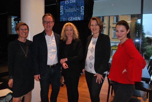 Heidi Mark, SR Guntram Mäser, Eva Molnar-Thielmann, Bürgermeisterin Andrea Kaufmann und Marie Mark. erh