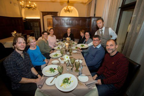 Hübsch angerichtet und gekonnt serviert bekamen die Teilnehmer der Fit-Aktion das extra für sie im Stadtgasthof Bregenz kreierte Menü.vn/paulitsch