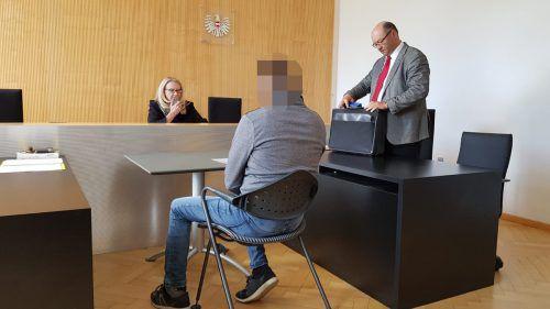 """""""Ich sitze völlig zurecht hier"""", meinte der Angeklagte vor Gericht. EC"""