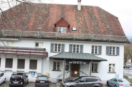 """Investorin Susanne Dieterle will das """"Kreuz"""" neu errichten: 14 Wohnungen sollen dabei entstehen. vn/knobel"""