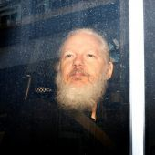 Assange in London inhaftiert