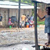 Schwere Zerstörung nach Wirbelsturm in Mosambik