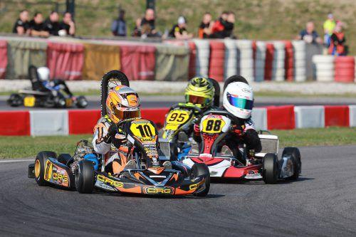 Kiano Blum (Nummer zehn) kämpfte beim ADAC Kart Masters an der Spitze mit.MNO