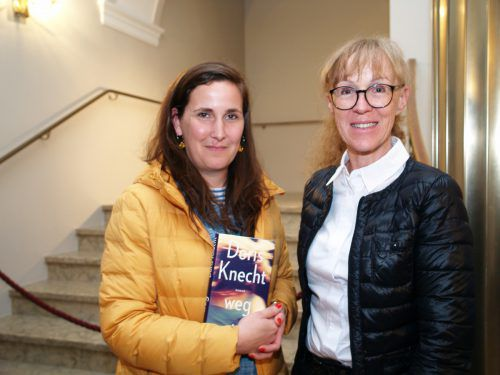 Luise Schimanski und Direktorin Claudia Vögel (HTL Bregenz).