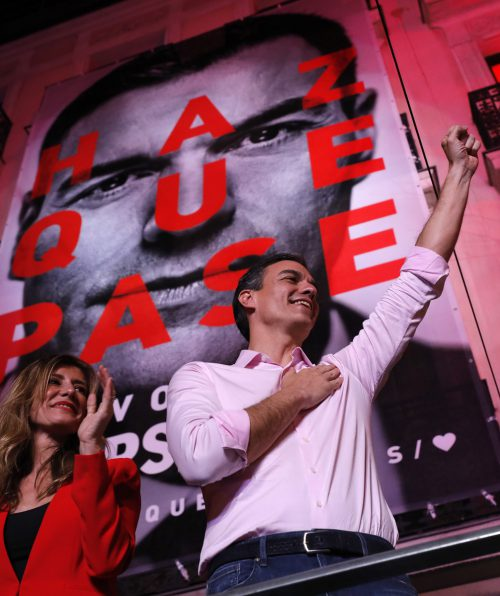 Ministerpräsident Sánchez stehen wohl langwierige Koalitionsgespräche bevor. AP