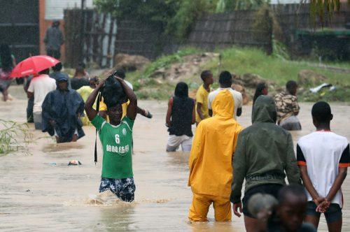 Regen verschärft die Situation in den überschwemmten Gebieten. Reuters