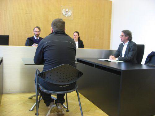 """Richter Andreas Böhler appellierte an den mehrfach vorbestraften Angeklagten: """"Ich gebe Ihnen dennoch den guten Rat, reißen Sie sich zusammen!"""" EC"""