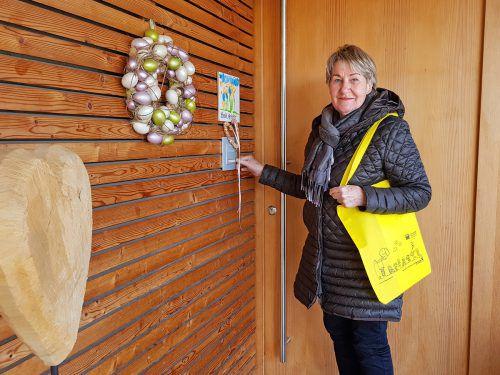 Rosmarie Wiedl geht für das Kinderdorf von Haustür zu Haustür. Vbg. Kinderdorf