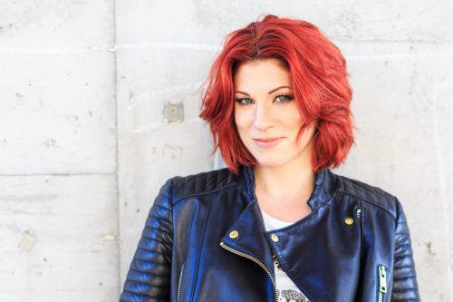 Sängerin Nina Fleisch aus Altach tritt in Haselstauden auf. Veranst